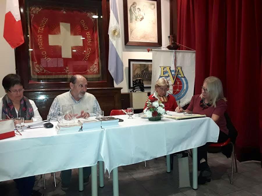 Une partie du comité d'EVA, avec au centre le président Hugo Donnet.